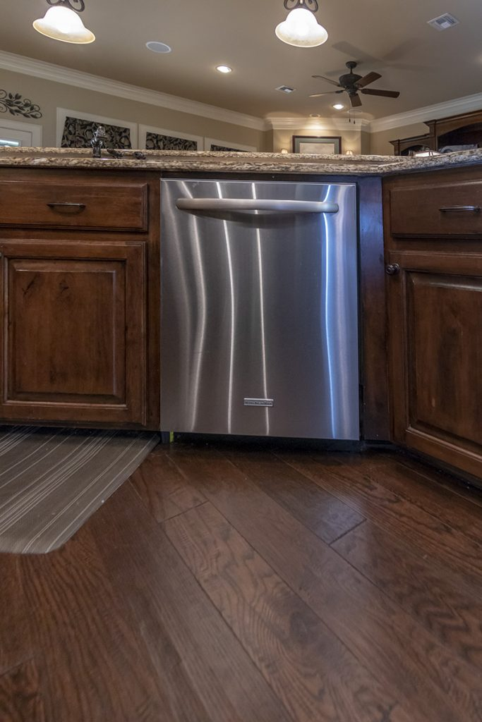 Dish Washer - 207 King Ct. Bullard TX 75757