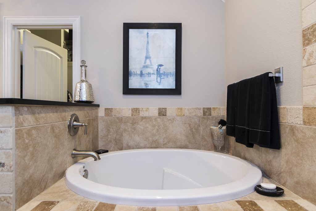 Master Tub - 1567 Chaparrel Run Tyler, TX 75703